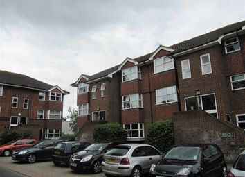 Thumbnail 2 bed flat to rent in Josephs Road, Guildford