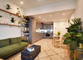 4 Sterling Way, London N7. 2 bed flat for sale