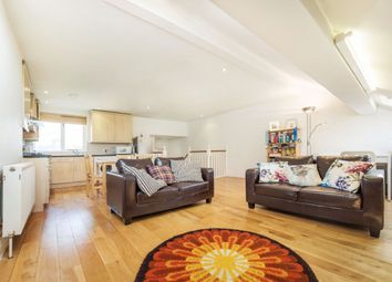 Thumbnail 1 bed flat to rent in Shandon Road, Clapham, London