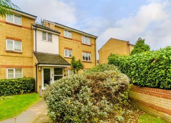 Thumbnail 3 bed flat to rent in Heddington Grove, Caledonian Road, London