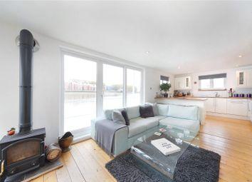Thumbnail 2 bed property for sale in Nine Elms Pier, Tideway Walk, Kirtling Street, London