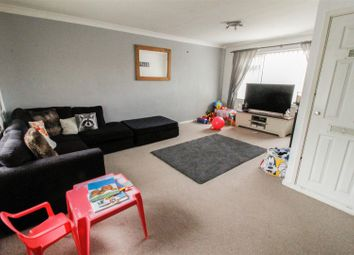 Thumbnail 2 bed flat for sale in Lakin Court, Warwick