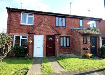 2 bed property to rent in Tanyard Close, Horsham RH13