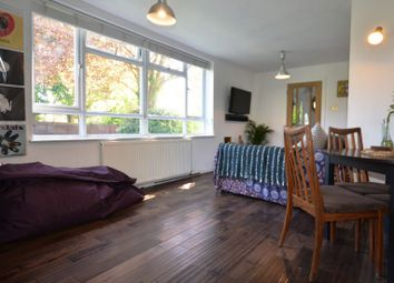 Thumbnail 2 bed flat to rent in Crescent Road, Wokingham