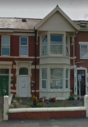 2 bed flat to rent in Burlington Road, Blackpool FY4