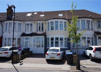 Thumbnail 3 bedroom flat for sale in Grenoble Gardens, Palmers Green