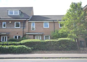 Thumbnail 2 bedroom terraced house to rent in Amersham Road, Caversham, Reading
