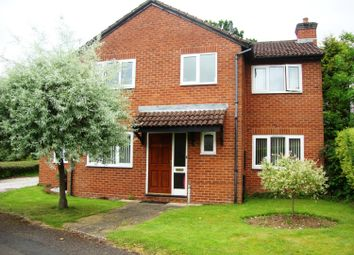 Thumbnail 6 bed detached house to rent in Harvington Drive, Solihull