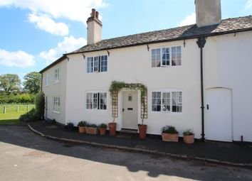 Thumbnail 3 bed cottage for sale in Town Green Street, Rothley, Leicester