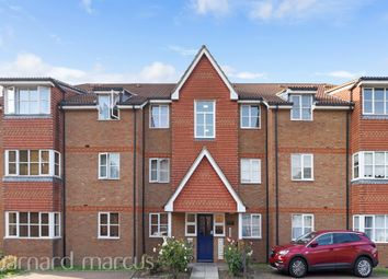 Thumbnail 2 bedroom flat for sale in Farriers Road, Epsom