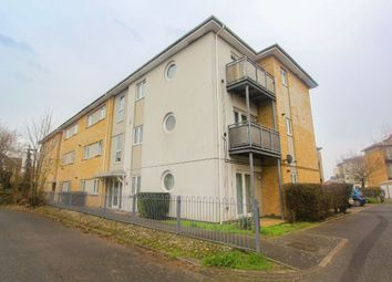 2 bed flat to rent in Bridge Wharf, Chertsey KT16
