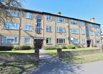 Thumbnail 3 bedroom flat for sale in Crossbrook Street, Cheshunt, Waltham Cross