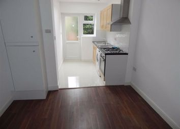 2 bed maisonette to rent in Braemar Avenue, London, Middlesex NW10