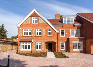 Aston House, High Street, Wargrave RG10. 2 bed flat for sale