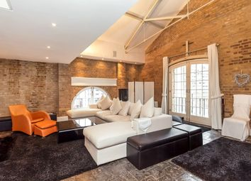 Thumbnail 4 bedroom flat to rent in East Smithfield, London