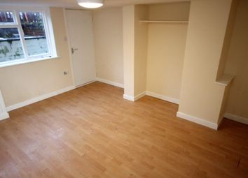 Thumbnail Studio to rent in Longroyd View, Leeds