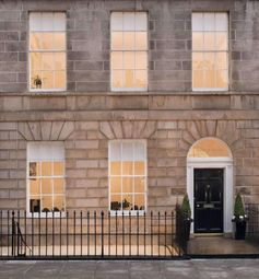 Thumbnail Serviced office to let in Albany Street, New Town, Edinburgh