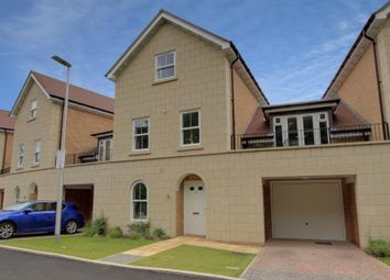 Thumbnail 5 bed town house for sale in Reservoir Crescent, Reading