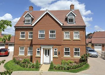 Thumbnail 6 bed detached house to rent in Grayling Close, Godalming