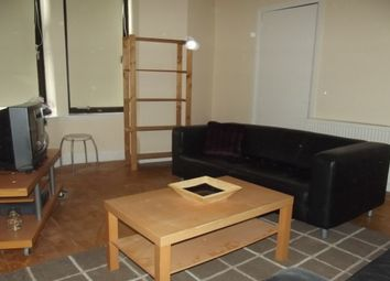 2 bed flat to rent in 3/2 252 High Street, Glasgow G4