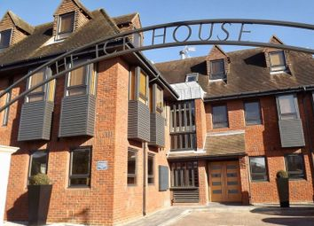 Thumbnail 1 bed flat to rent in Dean Street, Marlow