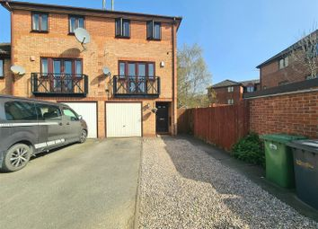 3 bed mews house for sale in Kenilworth Drive, Nuneaton CV11