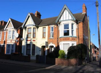 Thumbnail 3 bed flat to rent in Castle Road, Bedford