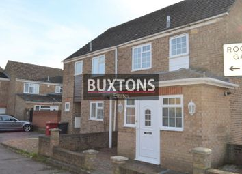 3 bed semi-detached house to rent in Rochfords Gardens, Slough, Berkshire. SL2