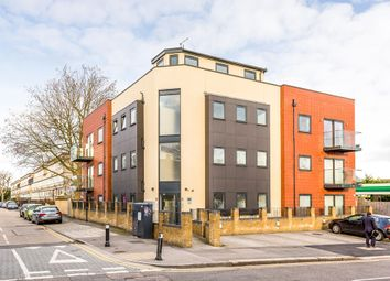 Thumbnail 1 bedroom flat for sale in Snakes Lane East, Woodford Green