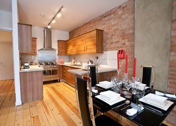 Thumbnail 2 bedroom flat to rent in Barck Church Lane, Liverpool Street