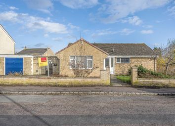 3 bed detached bungalow to rent in Kings End, Bicester OX26