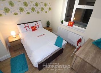 Thumbnail Room to rent in Room 2, Hartland Road, Reading, 8Dr- En-Suite