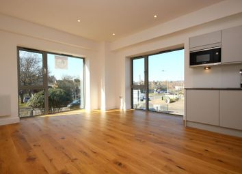 Thumbnail 2 bed flat to rent in Newtown Road, Henley On Thames