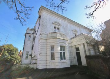 Thumbnail 2 bed flat to rent in Grove Road North, Southsea