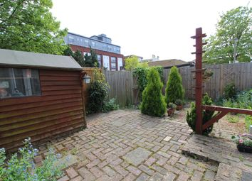 Thumbnail 1 bed flat to rent in Belmont Road, Wallington