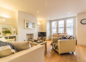 Thumbnail 2 bed flat to rent in Narbonne Avenue, Clapham, London