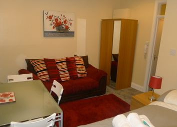 Thumbnail 1 bedroom flat to rent in Regent Street, Leamington Spa