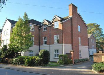 Thumbnail 3 bed flat to rent in Wimblehurst Road, Horsham