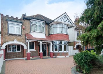 Thumbnail 5 bed property to rent in Gunnersbury Avenue, Ealing