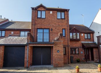 4 bed town house for sale in Catalina Drive, Harbourside Park, Poole BH15