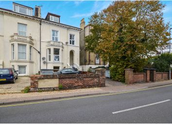 Thumbnail 2 bed flat to rent in 29 Waverley Road, Southsea