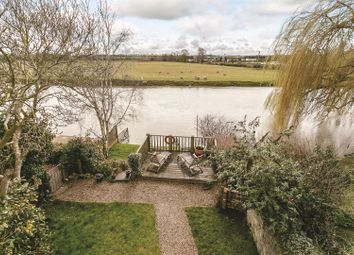 Thumbnail 3 bed cottage for sale in High Street, Bidford-On-Avon, Alcester, Warwickshire