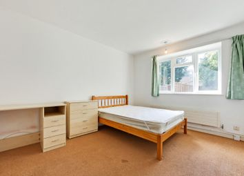 3 bed maisonette to rent in South Terrace, Surbiton, Surrey KT6