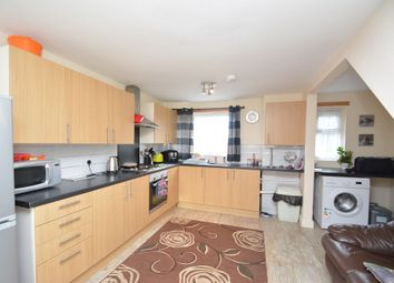 Thumbnail Room to rent in Selbourne, Sutton Hill, Telford