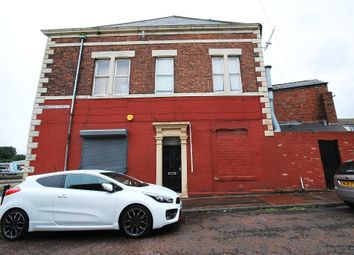 Thumbnail 2 bed flat to rent in Granville Street, Gateshead