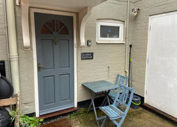 Thumbnail Cottage to rent in High Street, Milford On Sea, Lymington