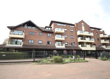 Thumbnail 2 bedroom penthouse for sale in Ray Park Road, Maidenhead