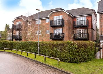 Royal Huts, Hindhead, Surrey GU26. 2 bed flat for sale