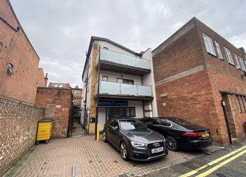 Nicholsons Lane, Maidenhead SL6. 9 bed block of flats