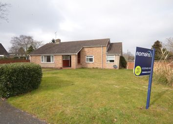 Thumbnail 3 bed bungalow to rent in Salisbury Road, Blackwater, Camberley